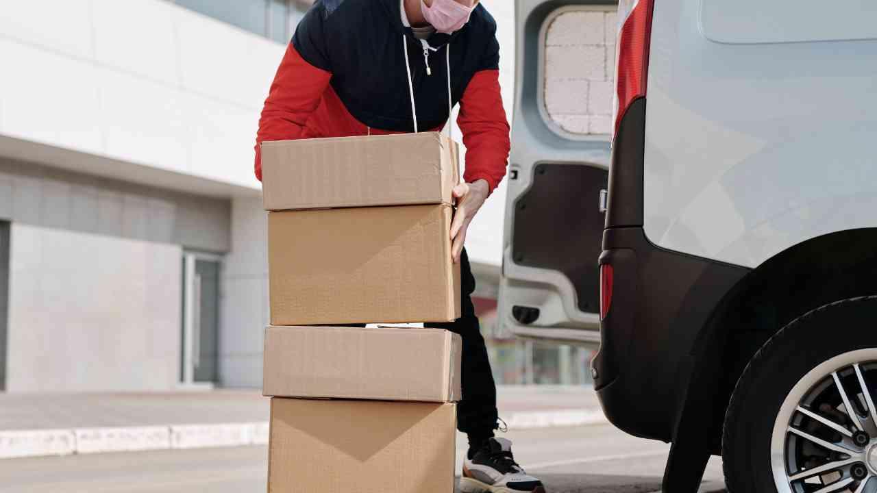 Delivery Van Holiday Shipping Delays