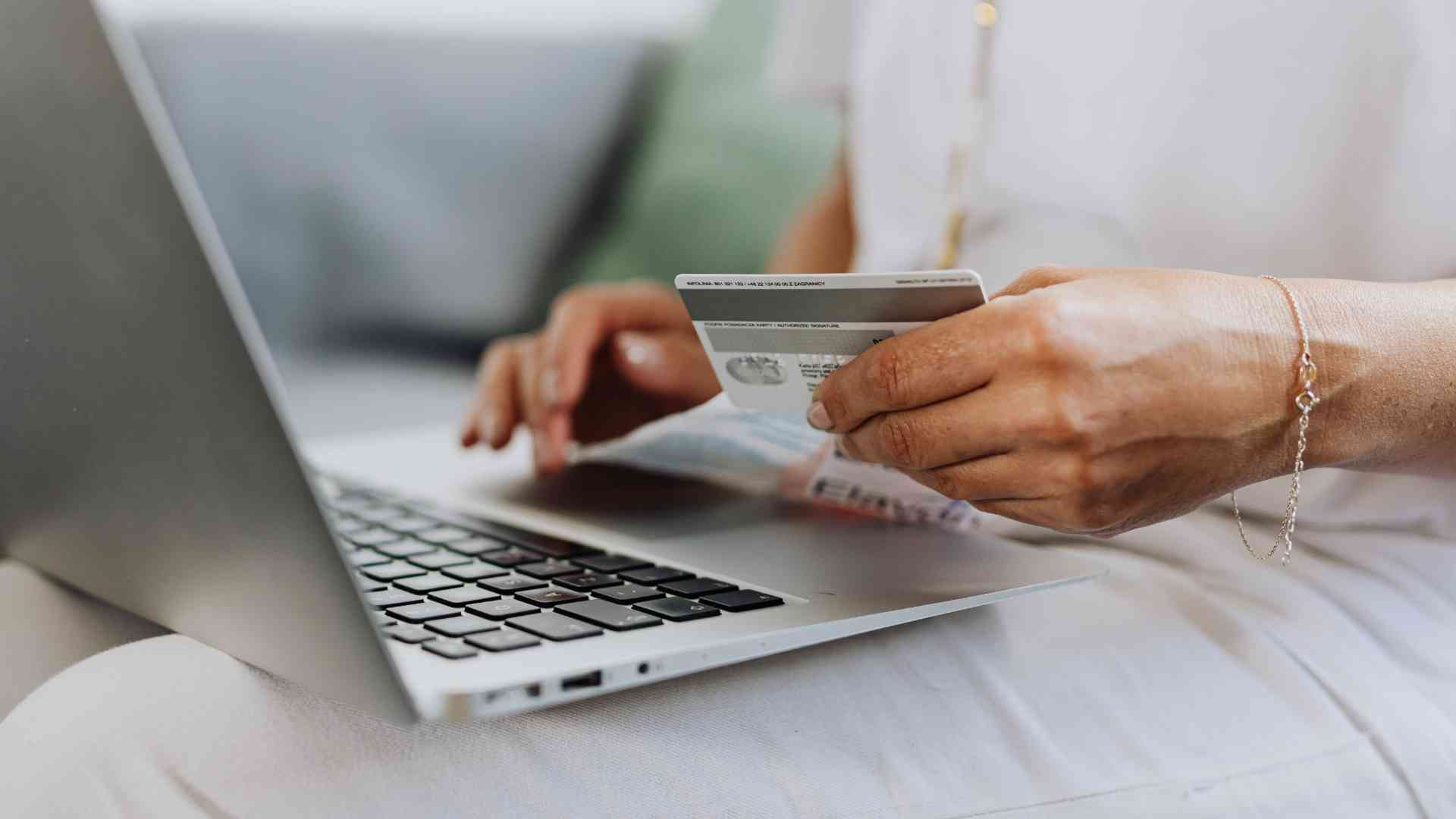 Woman Credit Card Laptop 2020 Shopping Trends